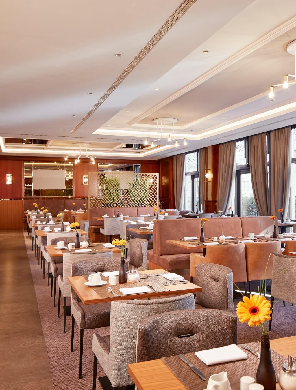 h-hotels_Restaurant-01-hyperion-hotel-berlin_Original-kommerz.-Nutzung-_e854873c@2x