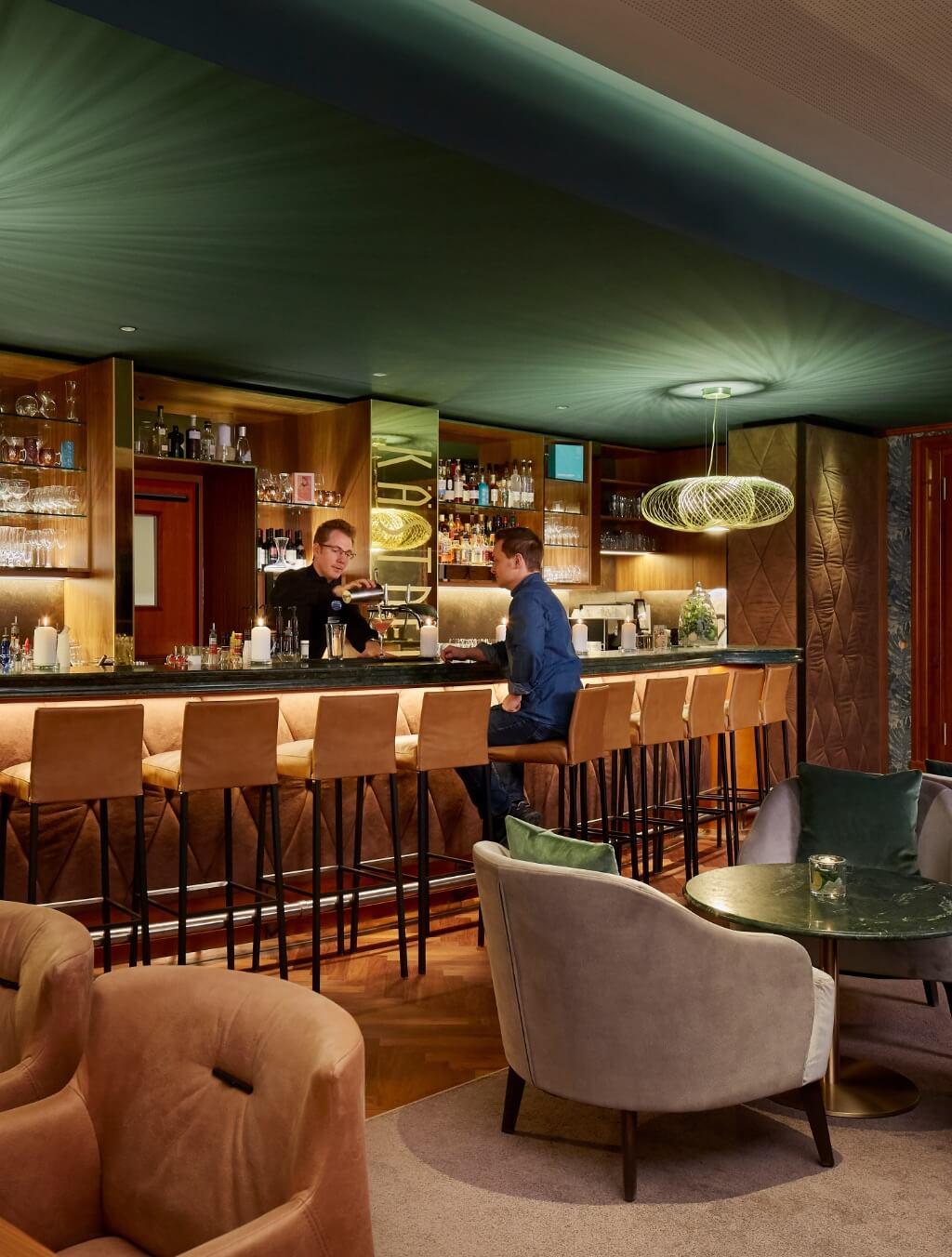 h-hotels_bar-02-hyperion-hotel-berlin_Original-kommerz.-Nutzung-_f3cfc5a1@2x